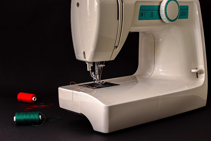 Things to consider before buying Computerized Sewing Machines